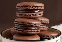 Delicious: Macaroons / by Malene Holmgaard Iversen