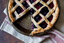 Delicious: Pies and tarts / by Malene Holmgaard Iversen