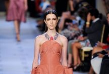 Catwalk Favorites / Best examples of jewelry styling on the fashion runways