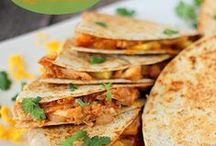 EASY Chicken Recipes / easy chicken recipes -- homemade recipes using chicken -- chicken soups -- chicken pasta -- chicken dinner recipes -- chicken sandwich recipes