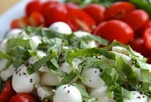Delicious: Salads / by Malene Holmgaard Iversen