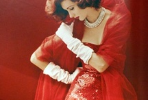 Gorgeous Gowns / by Joanie Wilson