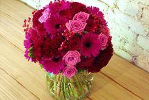 Pink Wedding Flowers / www.lushfloraldesgnpdx.com Serving Portland, Oregon and Vancouver, Washington. Wedding and Event floral design. Wedding bouquets, centerpieces, ceremony floral, Cake floral, Boutonnieres', Altar floral, corsages, aisle petals. Contact us at www.lushfloraldesignpdx.com