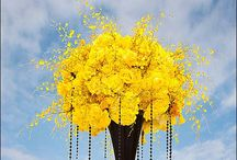 Yellow weddings / www.lushfloraldesgnpdx.com Serving Portland, Oregon and Vancouver, Washington. Wedding and Event floral design. Wedding bouquets, centerpieces, ceremony floral, Cake floral, Boutonnieres', Altar floral, corsages, aisle petals. Contact us at www.lushfloraldesignpdx.com