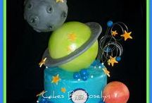 Galaxy & Space Cake Ideas / Cake, cupcakes, cake pops, Rockets, Planets, Aliens, space