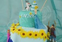 Frozen (Disney) Cake & Cookie Ideas / Cakes, cupcakes, cake pops and cake toppers
