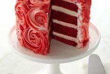 Red Velvet Cakes & Treat Ideas / cake, cake pops, push pops, cupcakes, wedding, valentine, cookies, romantic, heart, love