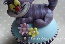 Alice in Wonderland Cake Ideas / Alice, Mad Hatter, white rabbit, Tweedle Dum & Tweedle Dee, Queen of Hearts, playing cards, cake, cupcake, cookies, Cheshire cat