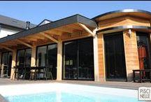 Reportage photo : une piscine et sa terrasse mobile / Découvrez cette piscine rectangulaire, équipée d'une terrasse mobile et réalisée par Piscinelle en Auvergne-Rhône-Alpes dans la ville de Cran-Gevrier.