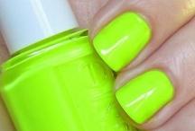 nails, nails, nails! / by Liz Whelan