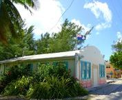 Cayman Islands Architecture / A true blend of Caribbean and modern architecture.