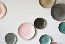 Decoration plates / A board full of plates, which should look beautifully on my walls / by Spraak-Water.nl