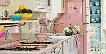 Dream Homes / Gorgeous homes and rooms that I will never have, but don't they look dreamy ♥