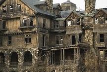 Maisons hantées et horrifiantes / Maisons dont on jase, mais pas pour les bonnes raisons!!! Des curiosités à faire peur!!!