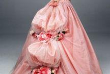 vintage dresses / by Patricia Arvin
