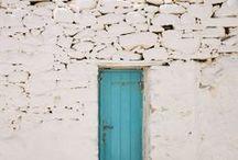 Misterious Doors / by Natalia Urrecho Bujo