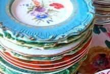Et des piles de vaisselles / by Marie C Cudraz