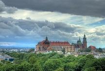 Weekend a Cracovia / Tante buone ragioni per cui vale la pena concedersi un weekend a Cracovia: http://blogstelsclub.com/viaggi-low-cost/weekend-a-cracovia/