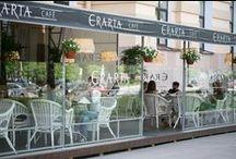 Ресторан Erarta \ Erarta Restaurant / Ресторан Erarta, расположенный в цокольном этаже музея, предлагает блюда современной русской и европейской кухни. Ресторан открыт для всех — попасть туда можно прямо из холла музея или с улицы, билет в музей покупать не обязательно. Erarta Cafe работает вск-чт с 12:00 до 22:00, пт-сб с 12:00 до 23:00. Днем по будням с 12:00 до 16:00 готовят бизнес-обеды из трёх блюд. Шеф-повар - Артем Гребенщиков. erarta.restaurant.com