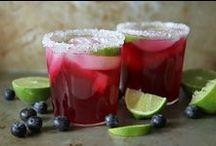 Drinks / by Liliett Contreras