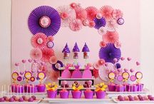 Dessert Table / by Karyn Amado