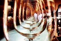 Vins & vignobles / L'industrie du vin, les chateaux, vignobles, caves et marchés