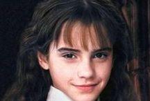 Hermione Grangeer / hermione granger is un personaggio importante di harry potter e io lo adoro
