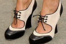 Shoes / by Veronica Beaverhousen