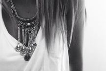 accessorize me. / by Catie Dumont