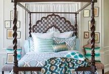 Bedrooms / by Laura Kiernan {JourneyChic.com}