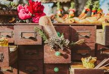 Cocktail Ideas & Styling / GUESTBOOK | WISH BOX | RED PACKET BOX