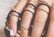 Accessories / by Cassie Morris