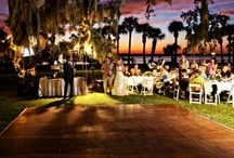 Riverfront Lawn Reception-Jekyll Island Club / Rich history and modern comforts. Elegant surroundings and simple pleasures. These are just a few reasons that holding your wedding on the Riverfront Lawn of the Jekyll Island Club is a perfect choice that will provide memories to last a lifetime. Once the ceremony is complete this is a great spot to hold your reception!