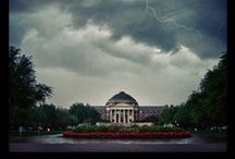 A Beautiful Campus / Cool pictures of college campuses.