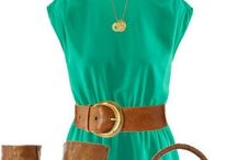 Emerald / Esmeralda | se luce mejor cuando se combina con pocos accesorios, preferentemente de colores neutros como el café caqui  / by Sofie