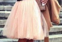 Pale Pink / Rosado Pálido | definitivamente un color romántico y femenino que nunca pasa de moda  / by Sofie