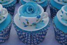 Cupcakes / by Chio Lopez Puertas