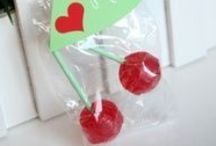 Holiday   Valentines' Day / Crafts & Foods for the holidays.