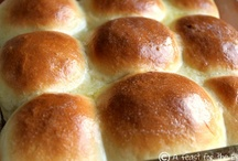 Breads & Bread Machine Recipes / by Tracy Tee