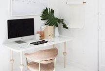 Home Office / Beautiful home office inspiration with a minimalist twist. Simple and gorgeous decor.
