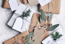 mimimalist wrapping paper / Beautiful gift wrapping ideas for people that have a minimalist style. Black and white wrapping paper, simple wrapping paper, and beautiful packaging that doesn't need to be over the top to make a statement.