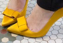 Sandalia, Bota , Zapato <3!! Etc... / by Angie Baida