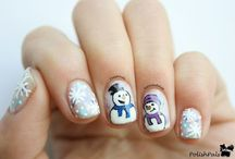 Nails for Winter / It's the holly, jolly season! Check out some festive nails that would be fantastic for winter and the holiday season!