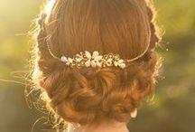 Vackra Bruduppsättningar / En board fylld med inspiration och vackra bröllopsfrisyrer
