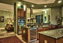 Decadent Kitchens / View grand and inviting kitchens which can inspire the chef in all of us