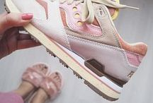 Saucony women / The best Saucony women sneakers curated by Girlsonmyfeet.