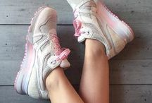 Diadora women / The best Diadora women sneakers curated by Girlsonmyfeet.