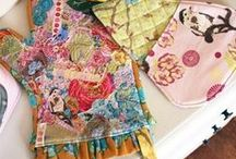 FABRIC COLLAGE ✯ / free-motion quilted fabric collage  ✯ collage ✯ fabric ✯ quilting ✯ free motion quilting ✯ sewing ✯ tutorials ✯ videos
