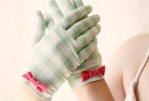 Gloves - Gants / Discover my gloves selection // Tous les gants m'inspirent : accessoires de mode, atout féminin, choix du confort et de la chaleur. Pour tous les fous de gants !