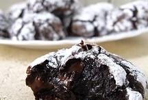 cookies, cupcakes, & bars / by Natalie Masini